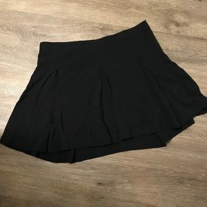 NWT Express Pleated skirt
